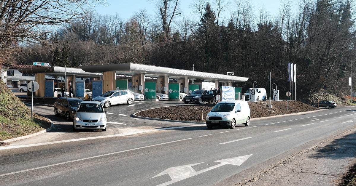 Objekt avtopralnice se nahaja ob Ljubljanski cesti iz smeri centra Novega mesta proti Bršljinu.