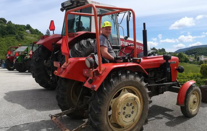 Tehnični pregledi traktorjev na terenu - pomlad 2019 | Avtoline